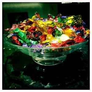 candy-in-the-airport-lounge-france